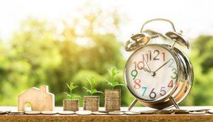 Karencja w spłacie raty a wakacje kredytowe